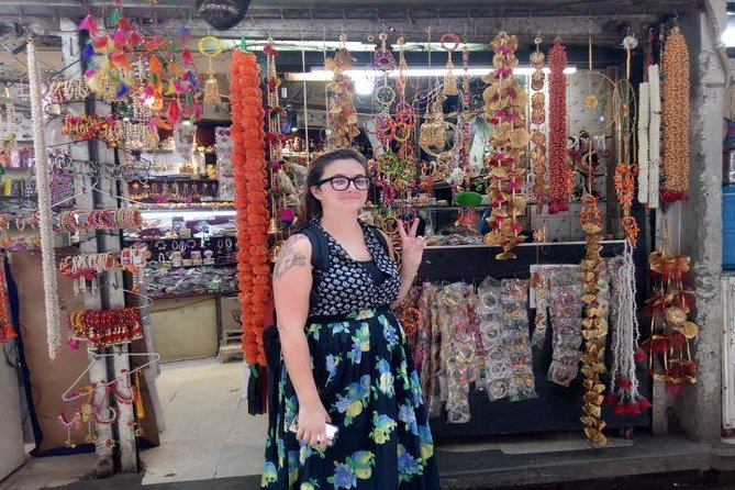 Customized Half Day Delhi Shopping Tour with Female Consultant photo 3