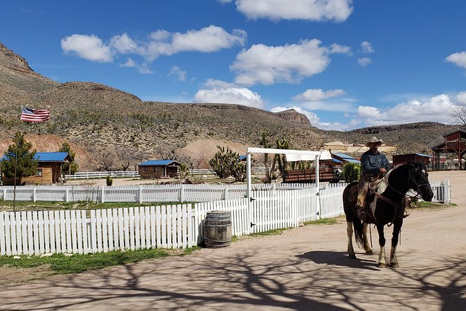 Private Grand Canyon West Rim Tour and Western Cowboy Ranch Lunch from Las Vegas