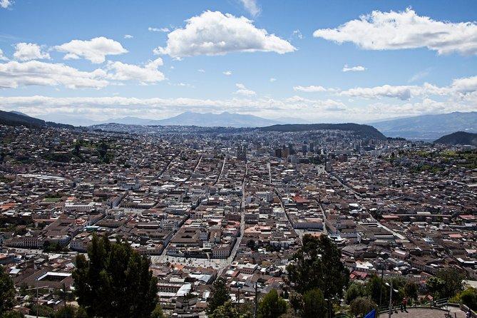 Baños to Quito Transfer in Fantasy Bus