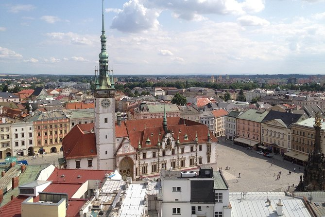 Private Transfer from Prague to Olomouc with 2 Sightseeing Stops