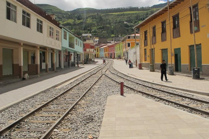 Cuenca to Alausi Transfer in Fantasy Bus