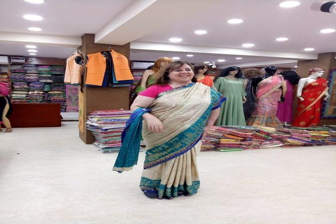 Customized Half Day Delhi Shopping Tour with Female Consultant photo 10