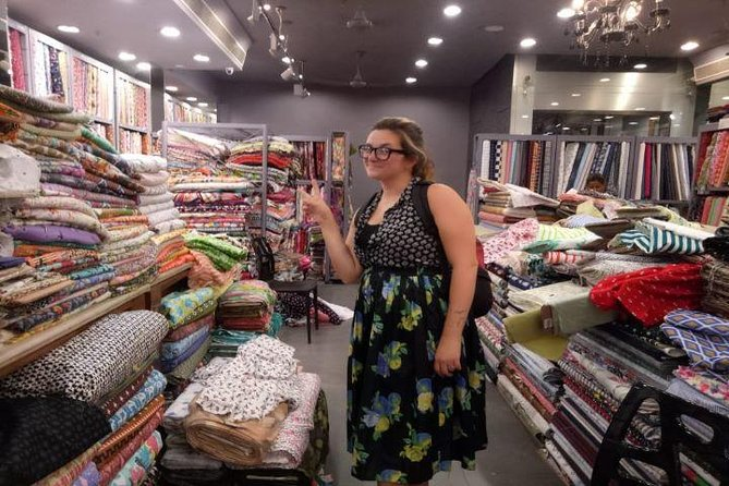 Customized Half Day Delhi Shopping Tour with Female Consultant photo 9