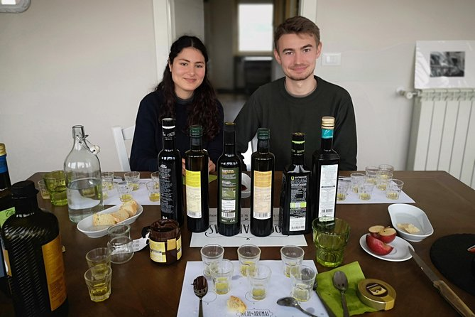 Private Extra Virgin Olive Oil Tasting in Rome with an Olive Oil Sommelier