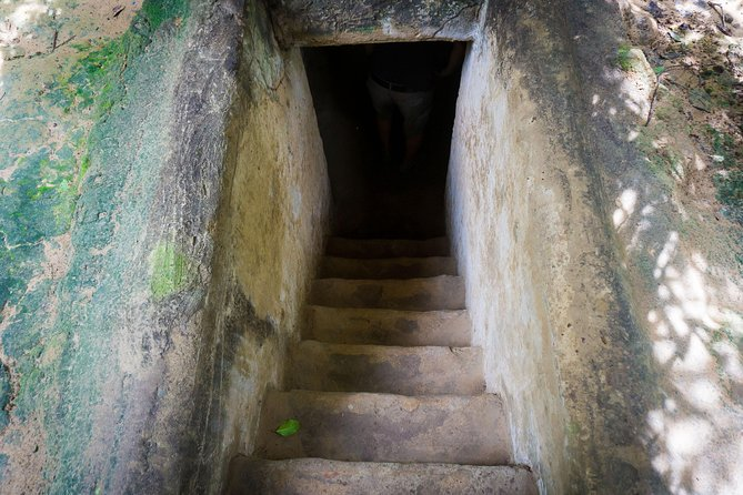 Cu Chi Tunnels Small Group Tour - Morning trip with English guide