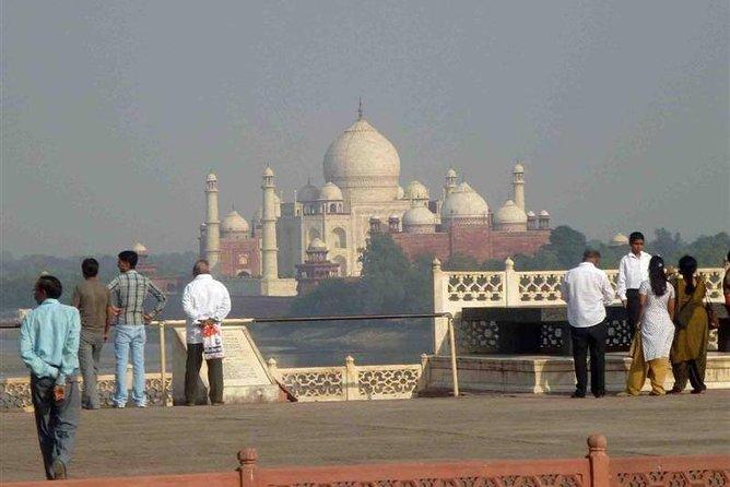 Over night Taj mahal Tour From Delhi-Agra-Delhi by Private car