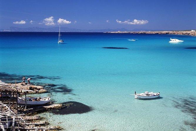 Cruzeiro de catamarã de dia inteiro até a praia de Illetas