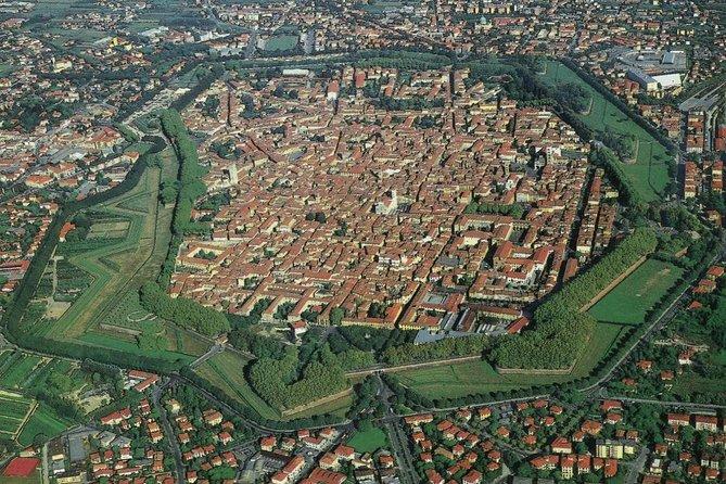 Walking tour of Lucca