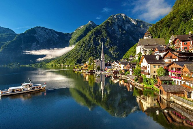Private Transfer from Cesky Krumlov to Hallstatt with 2 Sightseeing Stops