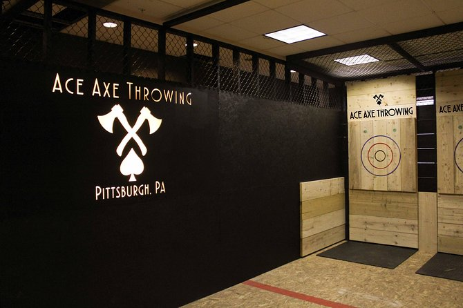 1 Hour - Axe Throwing Session photo 1
