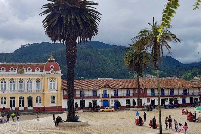 Zipaquira Plaza