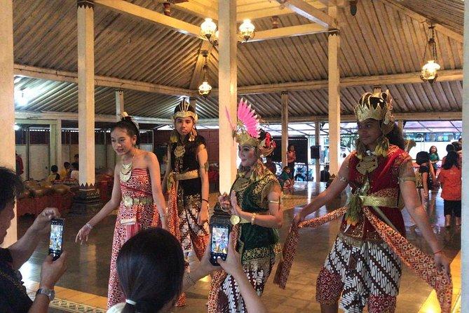 Private Yogyakarta Classic Dance Class and Karawitan