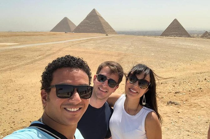 Full Day Tour: Giza Pyramids, Sphinx, Sakkara and City of Memphis photo 1