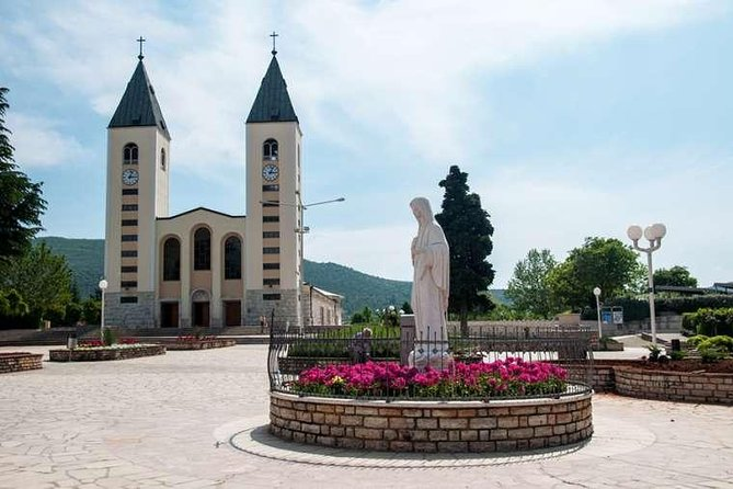 Medjugorje Saint James Church Daily Tour From Sarajevo (Guide-Lunch İncluded)