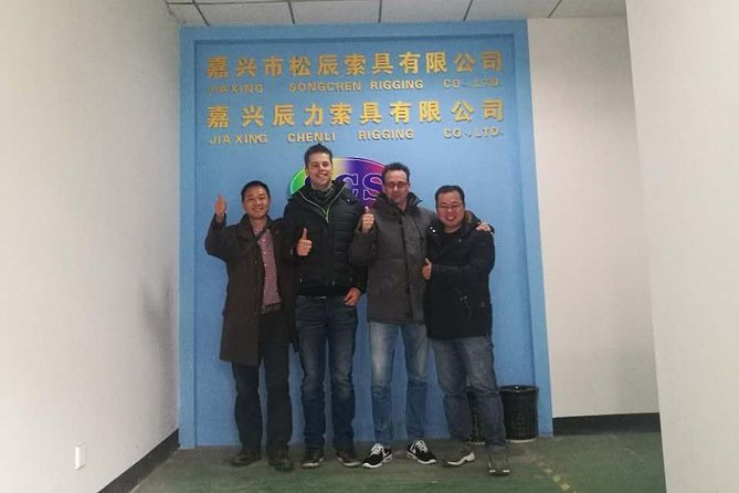 Shanghai car rental with English speaking driver and tour guide photo 9