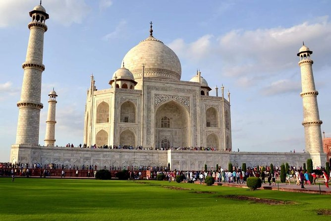 Weekend Tour of Taj mahal with Sunrise and Sunset From Bangalore