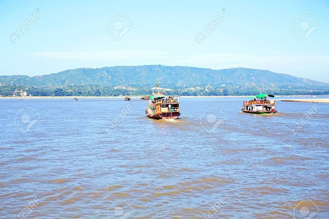 Private Bagan Mt-Popa sightseeing and sunset boat ride in Ayeyarwaddy River photo 4