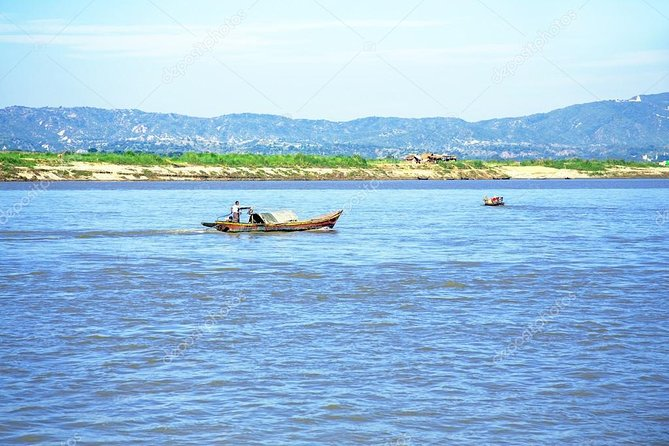 Private Bagan Mt-Popa sightseeing and sunset boat ride in Ayeyarwaddy River photo 2