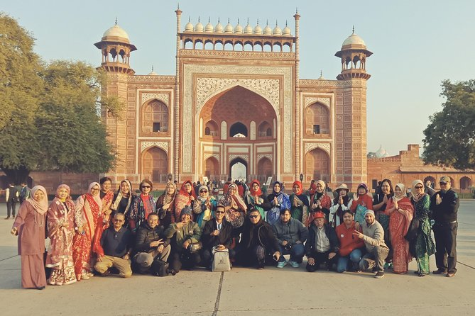 Same day tour with private car Delhi to Agra