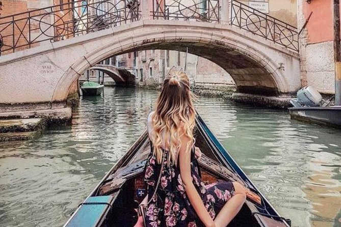 Venice Classic Gondola Ride