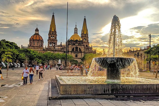 Private Tour Guadalajara Historic Center and Tlaquepaque from Mexico City