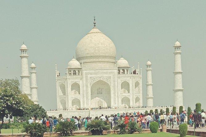 Sunrise at Taj Mahal in Same Day Tour by Car Delhi to Agra