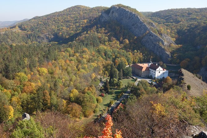 Off the beaten track hiking tour in Bohemian Karst