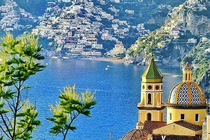 Transfer from Naples to Positano with a stop at Pompeii or Positano to Naples