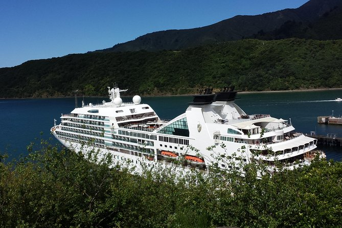 'Experience the best' Cruise ship Tour