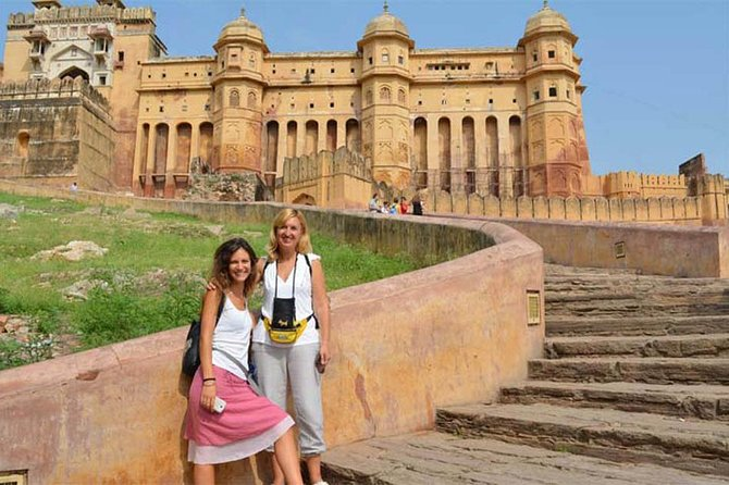 Full Day Jaipur Sightseeing with all Inclusive (Entrance Fee & Lunch)