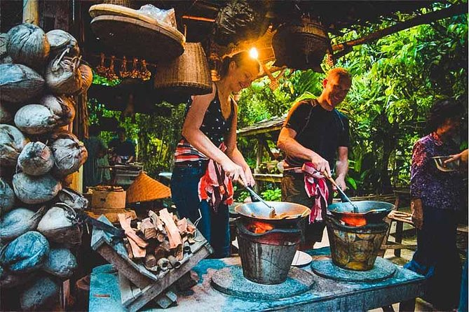 Traditional Northern Home Cooking Experience with Raunkaew Yanon Family