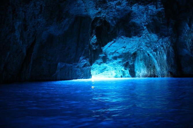 5 Island Group Tour with Blue Cave and Hvar from Split & Trogir
