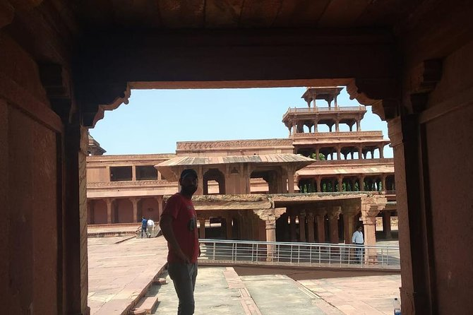 Half day Fatehpur sikri tour with Guide