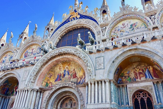 Skip-the-Line Saint Mark's Basilica and Doges Palace Combined Tour