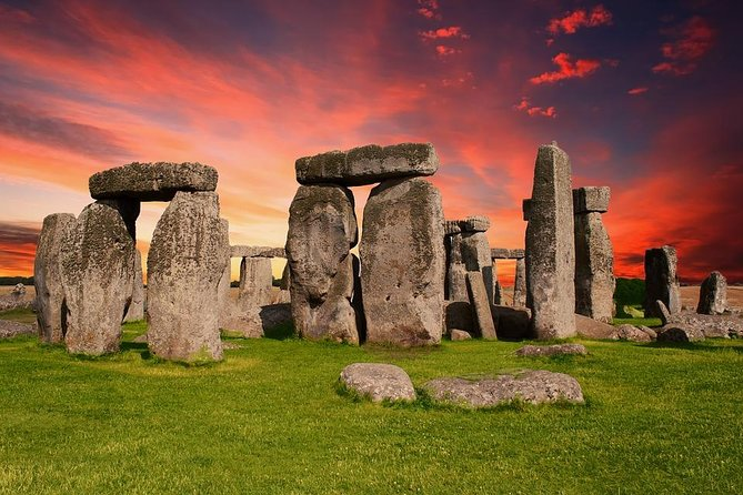 Private 6-hour excursion to Stonehenge from London with Hotel Pick Up