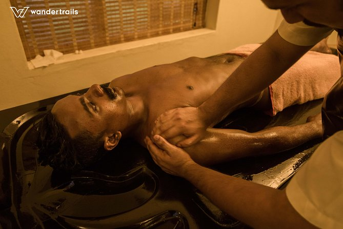 Pamper yourself with an Ayurvedic massage therapy in Mararikulam photo 4