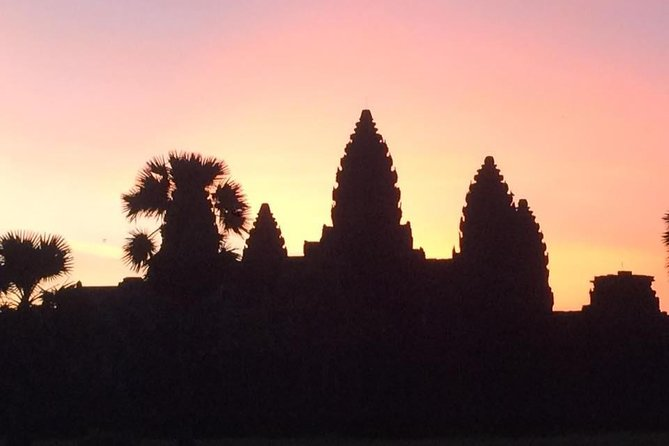 Angkor Sunrise by Jeep - Private Tour photo 2