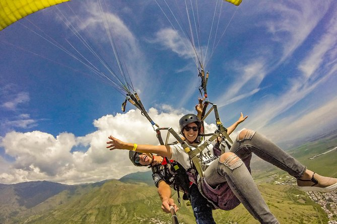 Cali Paragliding - Feel And Live The True Flying Sensation!