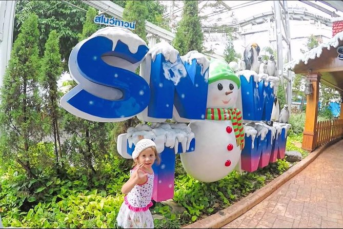 Dream World & Snow Town Theme Park from Bangkok with Return Transfer