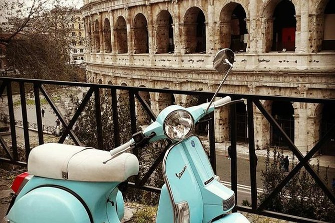 Vespa & Food trip to the Castelli Romani between nature and good food on a vintage wasp