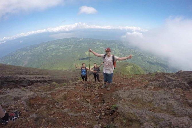 Climbing the Concepción volcano in Ometepe