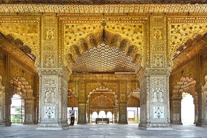 Taj Mahal day tour by fastest luxury train from Delhi NCR photo 2