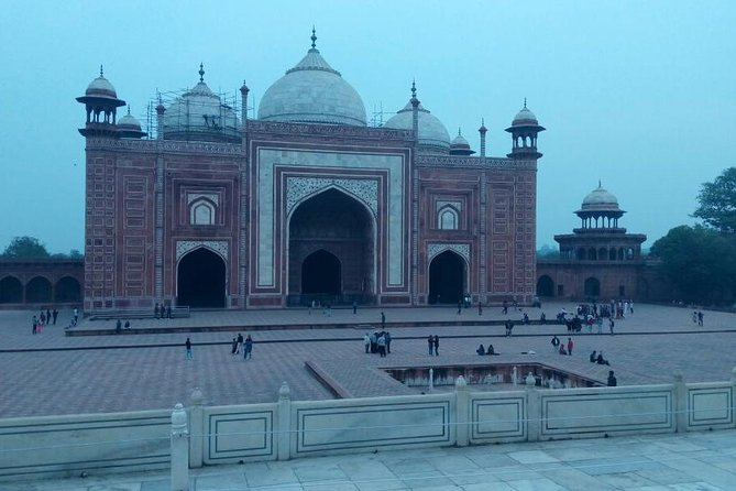 Agra City Tour with Lunch and Guide