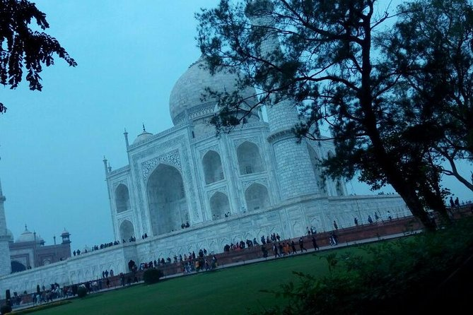 Agra City Tour by Car with Guide