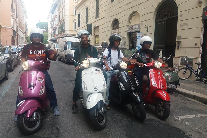 Vespa Rental in Rome 24 hours photo 4