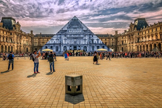 Louvre & Tuileries Walking Tour with Skip The Line Ticket Option