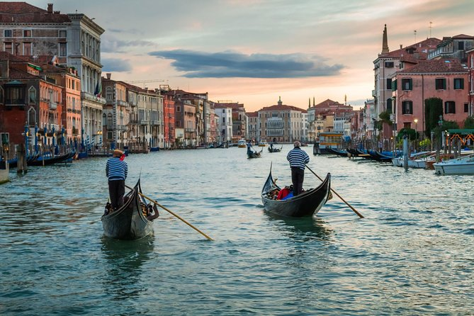 Private Tour: Venice Gondola Ride with Serenade photo 1