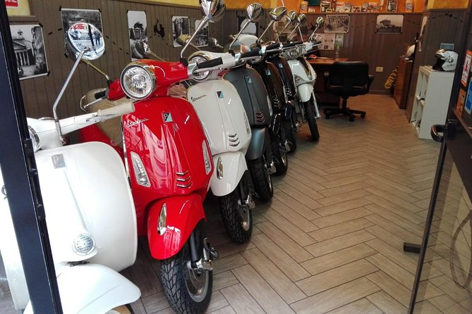 Vespa Rental in Rome 24 hours photo 1