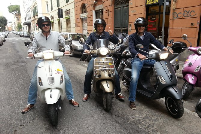 Vespa Rental in Rome 24 hours photo 13