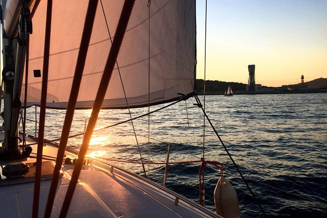 2 hours Exclusive Sunrise Sailing Experience from Port Vell
